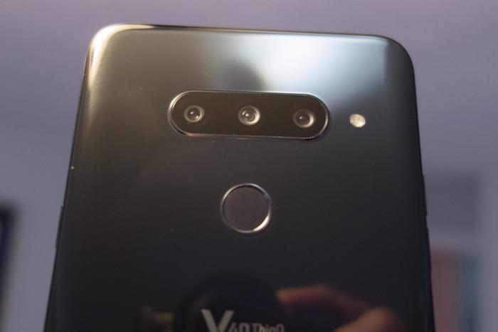lg v40 cameras