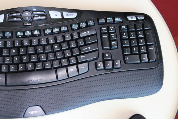 logitech wireless wave combo mk550 right