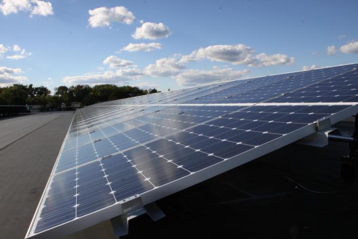 UPS Solar power