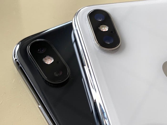 iphone xs x camera bump