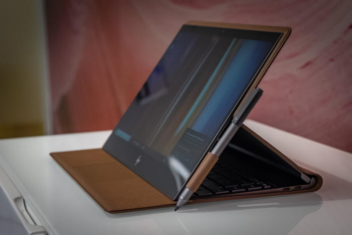 hp spectre folio movie mode