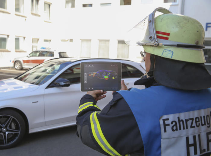 Bosch augmented reality app for first responders