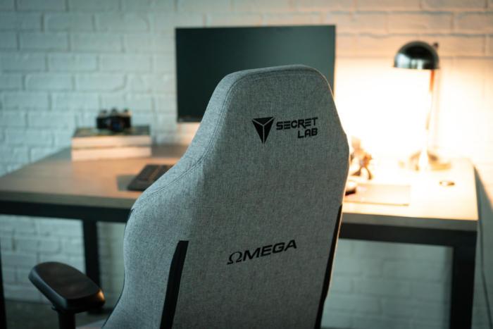 secretlab omega softweave back