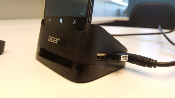 Acer Liquid Jade Primo in dock