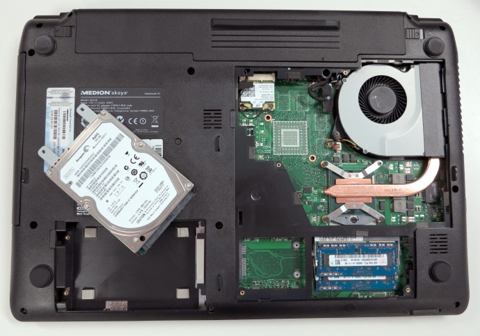 Medion Akoya E6228 (MD98980) laptop Review: Another ...