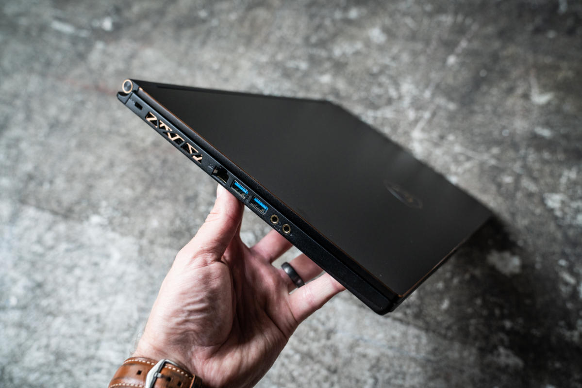 MSI GS65 Stealth Thin 9th Gen Core i7-9750H Nvidia GeForce GTX 1660 Ti