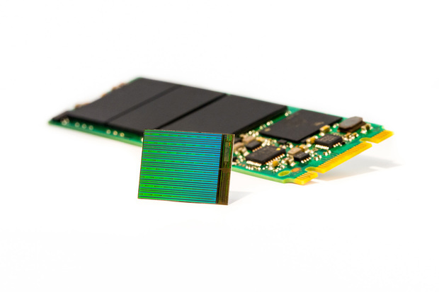 SSD with Microns 3D NAND flash chips