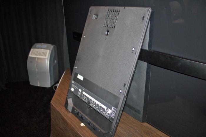 Sony Bravia XBR A1E OLED subwoofer