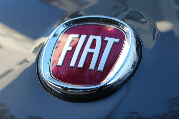 2017 fiat 124 spider badge