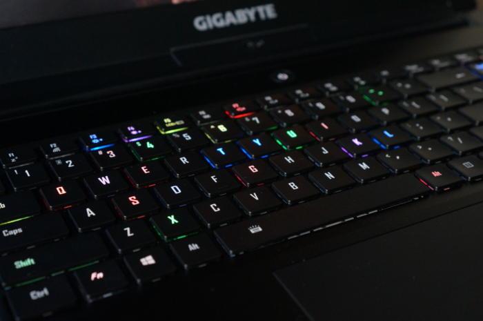 gigabyte aero 15 9