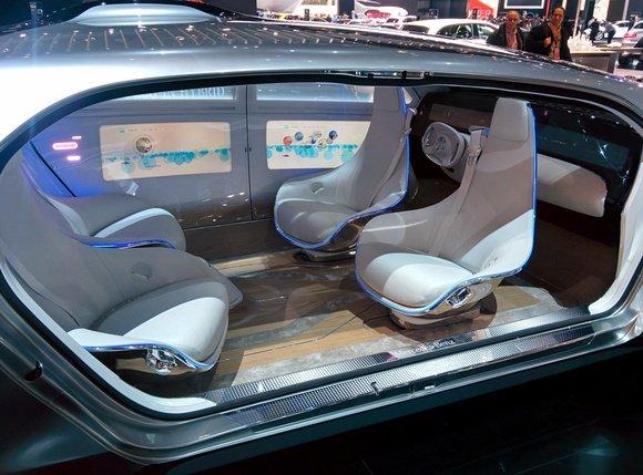 Mercedes Benz F015 concept