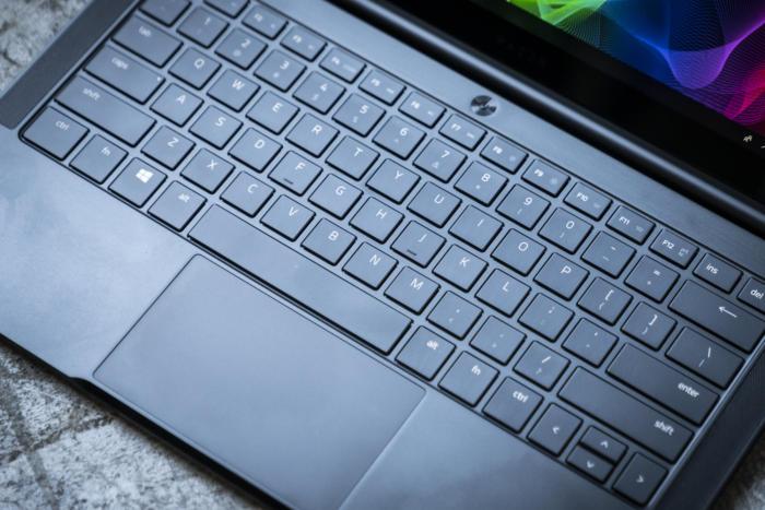 razer blade stealth keyboard detail