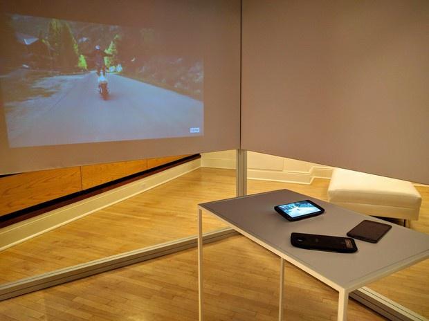 Moto Z projector