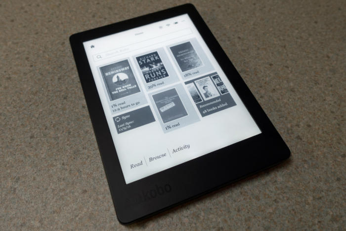 kobo aura edition 2 display
