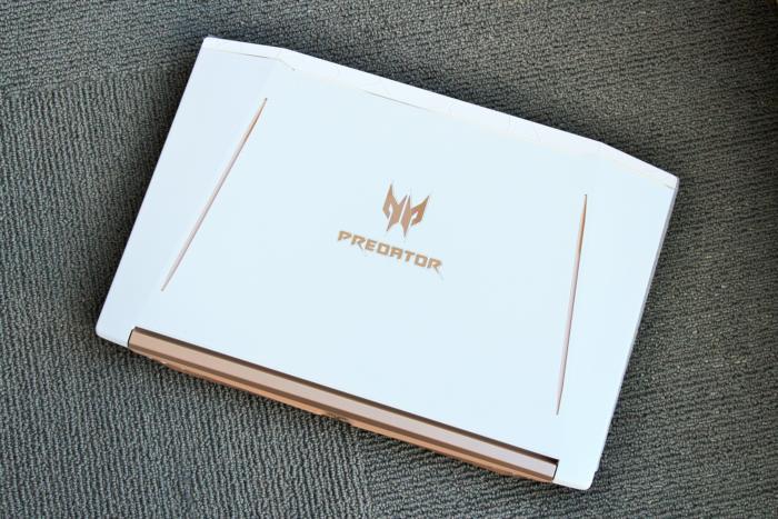 acer predator helios 300 special edition lid