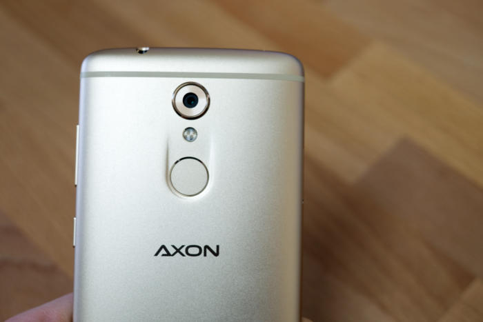 zte axon 7 mini rear fingerprint camera