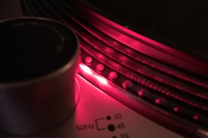 The LP120-USB's platter design shows the speed the record is spinning with the dot design. Here, the