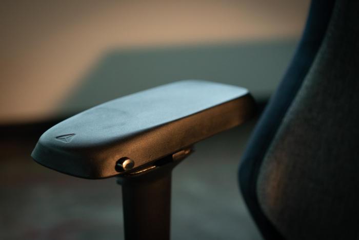 secretlab softweave omega armrests