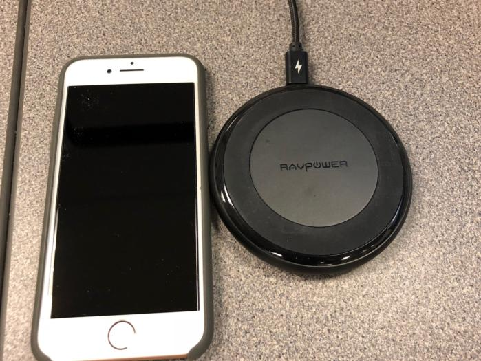 iPhone 8 RavPower wireless charger